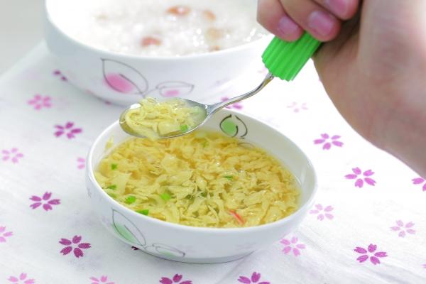 エッグヘルパー スープもすくいやすい